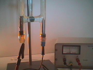 science lab electrolysis device