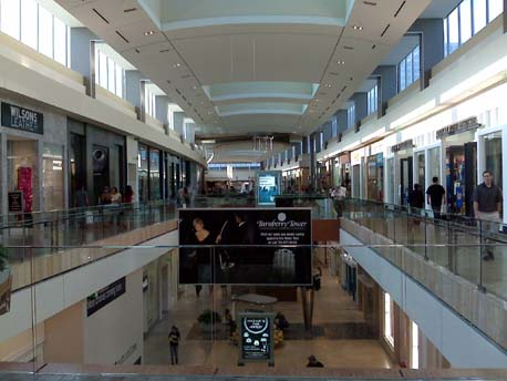 Shoe Stores In The Willowbrook Mall