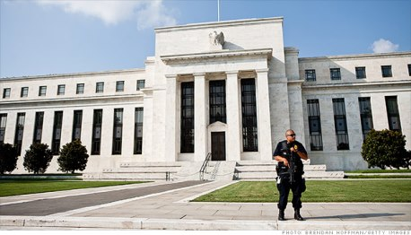 Federal-reserve-building-guarded-rsz
